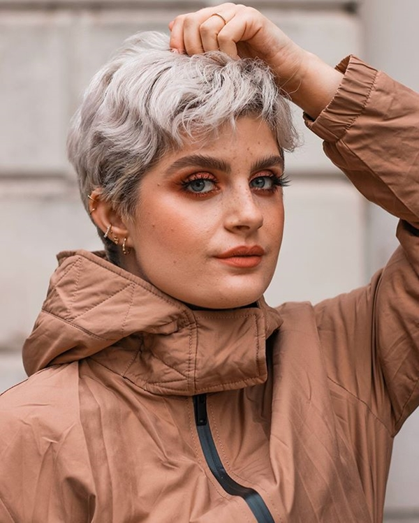 Pixie With Waves: Hairstyles for Overweight Women