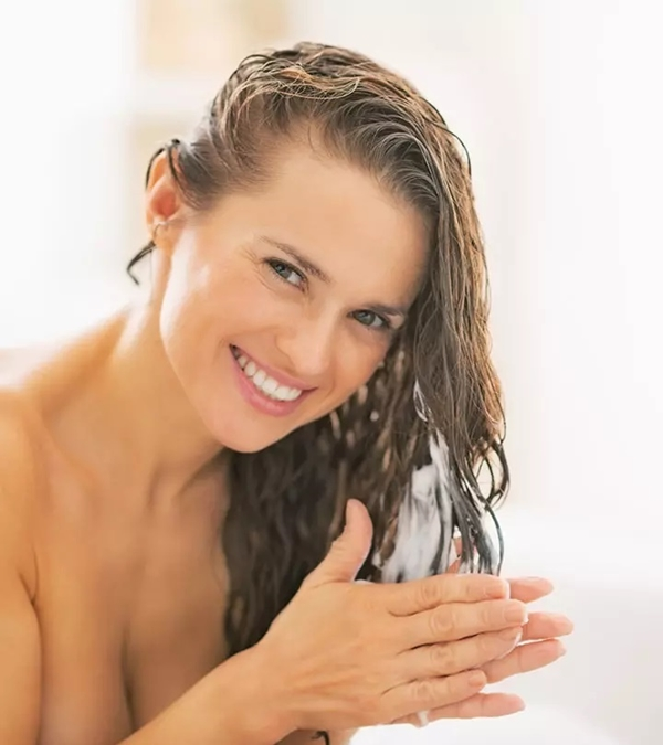 8 MOST EFFECTIVE Tips to avoid Greasy Hair