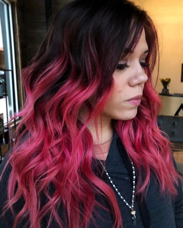 E-Girl Hairstyles Cerise pink streaks