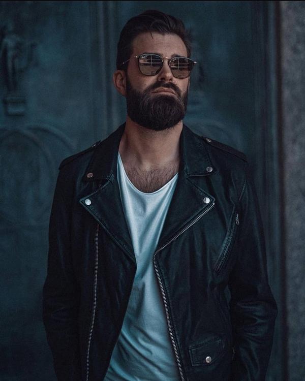 Full modern beard